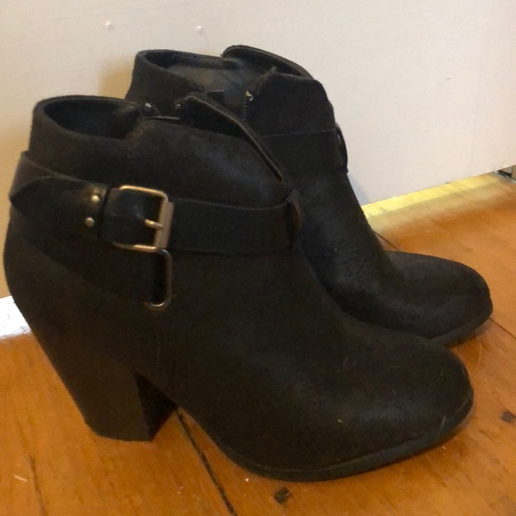 XOXO Shoes - Black booties